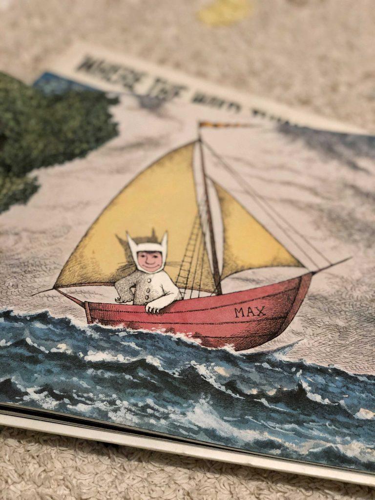 Capitanes-Fantasticos-Libro-Donde-Viven-los-Monstruos-Max-en-su-barco-particular